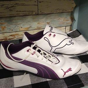 Puma sneakers woman's 9